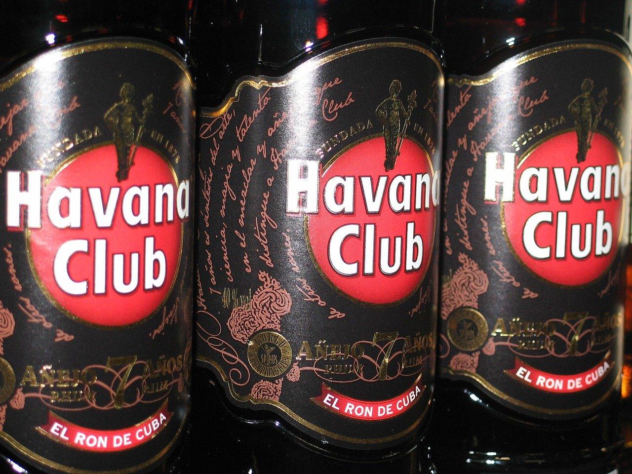 Havana Club Anejo Reserva (40 vol%) Essen und Trinken alkoholhaltige Getränke