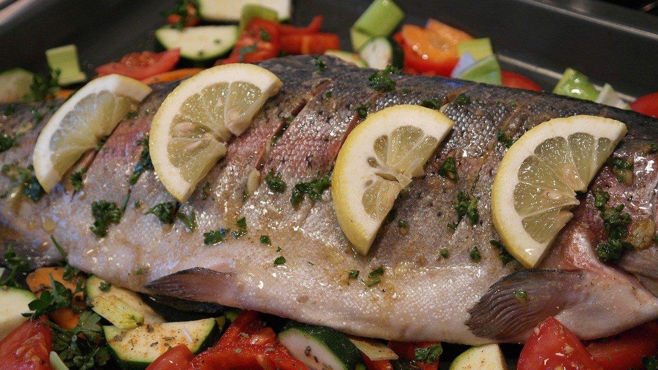 Flunder, Filet, gedämpft (ohne Zusatz von Fett und Salz) Essen und Trinken Fischgerichte