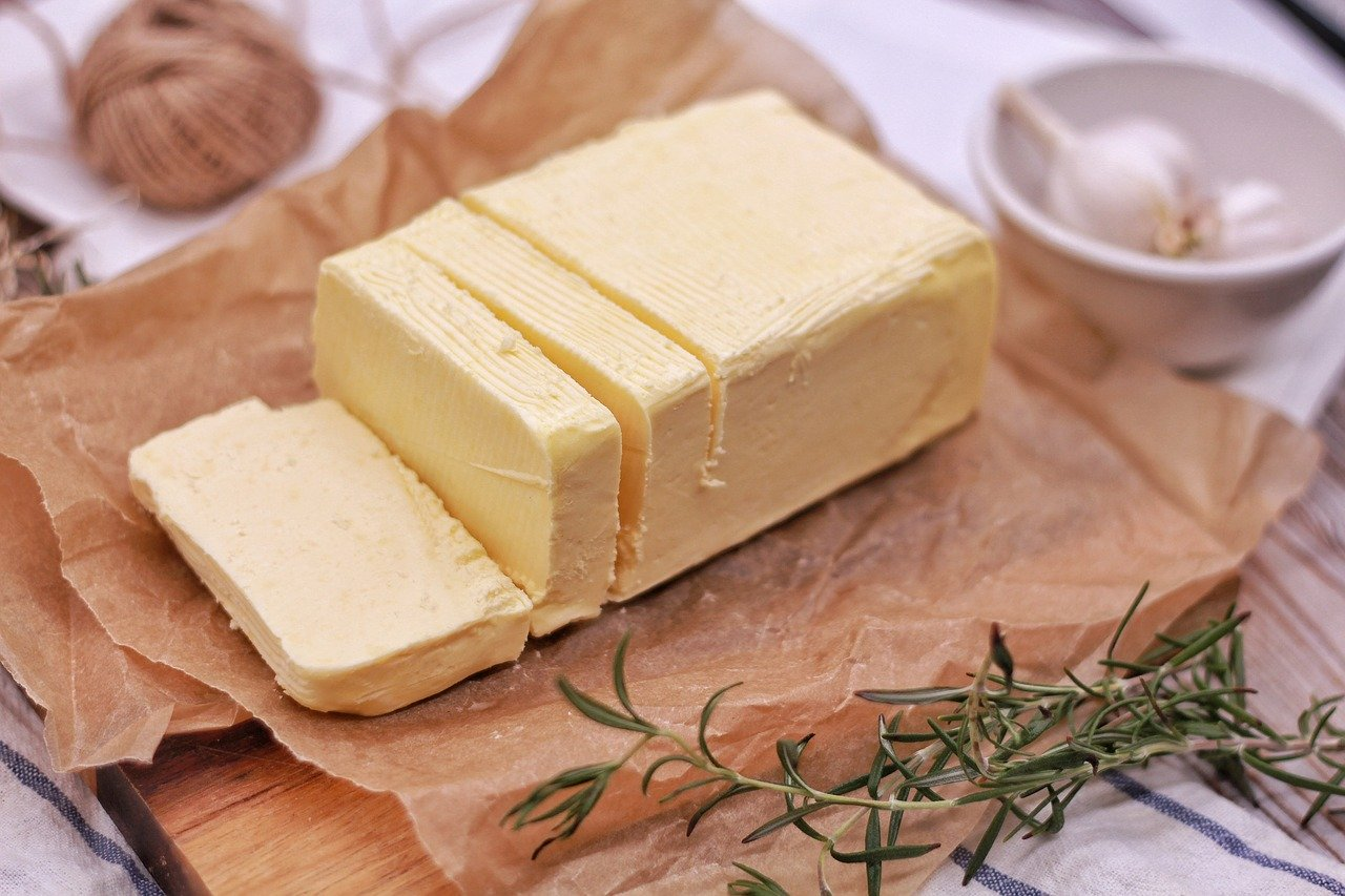 Buttergipfeli, hell Essen und Trinken Brote, Flocken und Frühstückscerealien