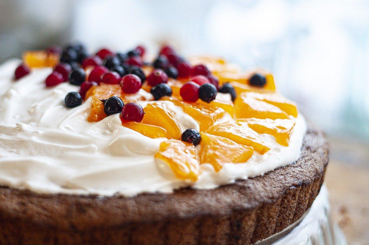 Fruchtkuchen mit Kuchenteig (Durchschnitt) Essen und Trinken Süßigkeiten